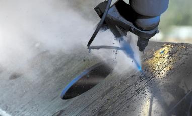 Makro Wasserstrahlschneiden Stahlblech.